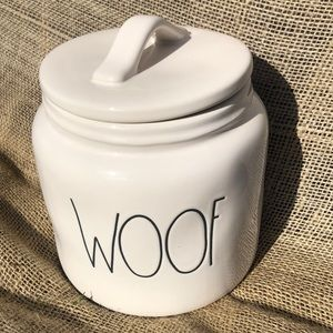 """🆕🐶😻RAE DUNN Pet treat canister """"WOOF"""""""